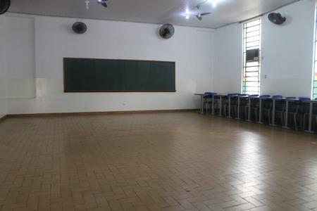Left or right sala de aula pedro aleixo